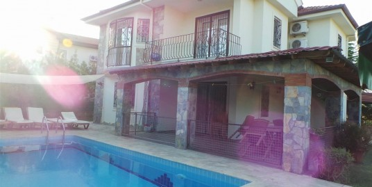 Calis – 4 Bedroom triplex villa